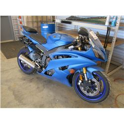 2015 YAMAHA YZF 600 MOTORCYCLE, VIN/SN:JYARJ16E4FA034115 - ODOMETER READING 5,680 MILES