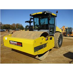 "2014 DYNAPAC CA2500 ROLLER, VIN/SN:10000138TDA014792 - VIBRATORY, 84"" SMOOTH DRUM, CAB, A/C, METER R"