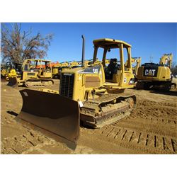 CAT D4G XL CRAWLER TRACTOR, VIN/SN:CFN0874 - 6 WAY BLADE, CANOPY, METER READING 7,609 HOURS