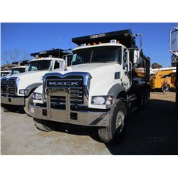 2018 MACK GU713 DUMP, VIN/SN:1M2AX07C4JM038241 - TRI-AXLE, 455HP MACK MP8 ENGINE, MACK T 310M 10 SPE