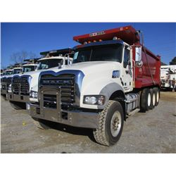 2015 MACK GU713 DUMP, VIN/SN:1M2AX09C5FM025289 - TRI-AXLE, 425HP MACK MP8M ENGINE, ALLISON A/T, 44K