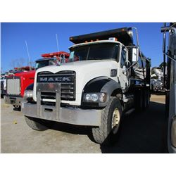 2013 MACK GU713 DUMP, VIN/SN:1M2AX04C5DM015723 - TRI-AXLE, 405HP MACK MP7 DIESEL ENGINE, ALLISON A/T