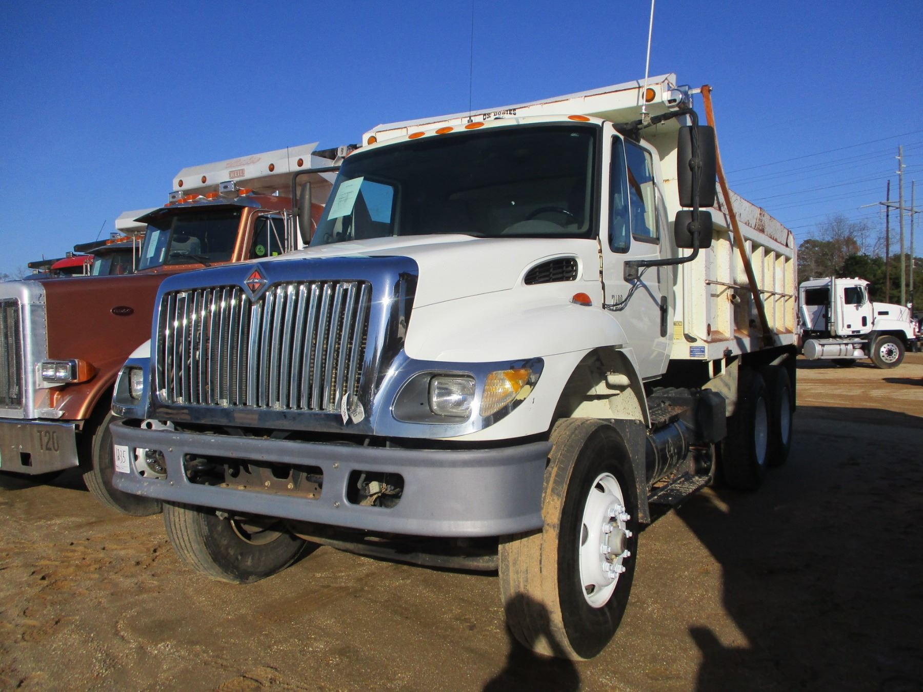 2003 INTERNATIONAL 7400 DUMP TRUCK, VIN/SN:1HTWGADTX3J072387 - T/A, DT530  DIESEL ENGINE, A/T, 14' OX