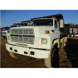 1994 FORD F800 DUMP, VIN/SN:1FDYK84E2RVA23700 - S/A, FORD DIESEL ENGINE, 5/2 SPEED TRANS, 23K REAR,