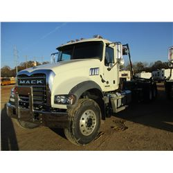 2018 MACK GU713 ROLL OF TRUCK, VIN/SN:1M2AX09C3JM037546 - T/A, 415HP MACK MP8 ENGINE, MACK M DRIVE A