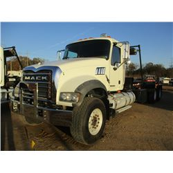 2009 MACK GU713 ROLL OFF, VIN/SN:1M2AX04C79M005234 - T/A, 405HP MACK MP7 ENGINE, 10 SPEED TRANS, 44K