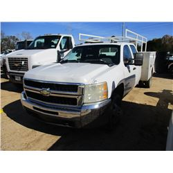 2009 CHEVROLET 3500HD SERVICE TRUCK, VIN/SN:1GBJC73K89F117678 - CREW CAB, GAS ENGINE, A/T, SERVICE T
