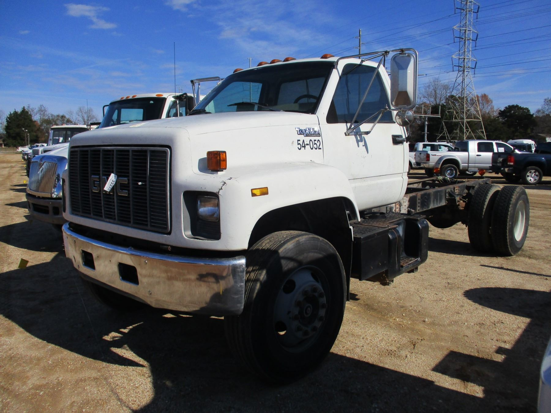1995 GMC TOP KICK CAB & CHASSIS, VIN/SN:1GDJ7H1R7SJ505715 - V8 GAS ENGINE,  5 SPEED TRANS, 192