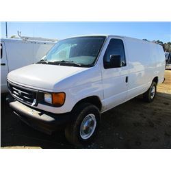 2004 FORD E350 VAN, VIN/SN:1FT5534P54HA72718 - GAS ENGINE, A/T, ODOMETER READING 148,461 MILES