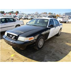 2005 FORD CROWN VICTORIA VIN/SN:2FAFP73W15X129362 - V8 GAS ENGINE, A/T, ODOMETER READING 163,402 MIL