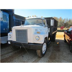 1969 INTERNATIONAL FLATBED DUMP, VIN/SN:457240G431767 - S/A, DIESEL ENGINE, 10 SPEED TRANS, 14' FLAT