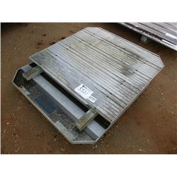 (2) ALUMINUM HEADACHE RACK FIT FLAT BED TRAILER (A-2)