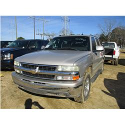 2005 CHEVROLET SUBURBAN, VIN/SN:1GNEC16Z65J117129 - GAS ENGINE, A/T, ODOMETER READING 268,454 MILES
