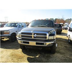 1999 DODGE RAM 3500 PICKUP, VIN/SN:1B7MF33W9XJ555647 - 4X4, EXT CAB, V10, A/T, ODOMETER READING 202,