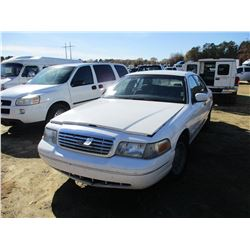 2001 FORD CROWN VICTORIA, VIN/SN:2FAFP74W21X145904 - GAS ENGINE, A/T, ODOMETER READING 200,958 MILES