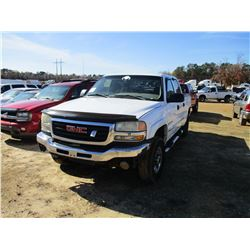 2004 GMC 2500 PICK UP, VIN/SN:1GTHK23U74F189255 - 4X4, CREW CAB, GAS ENGINE, A/T, ODOMETER READING 2