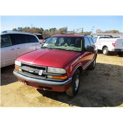 2001 CHEVROLET BLAZER VIN/SN:1GNDT13W112115010 - 4X4, GAS ENGINE, A/T, ODOMETER READING 280,923 MILE