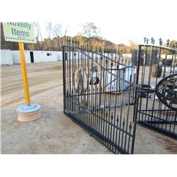 16' IRON GATE HORSE HEAD SCENE