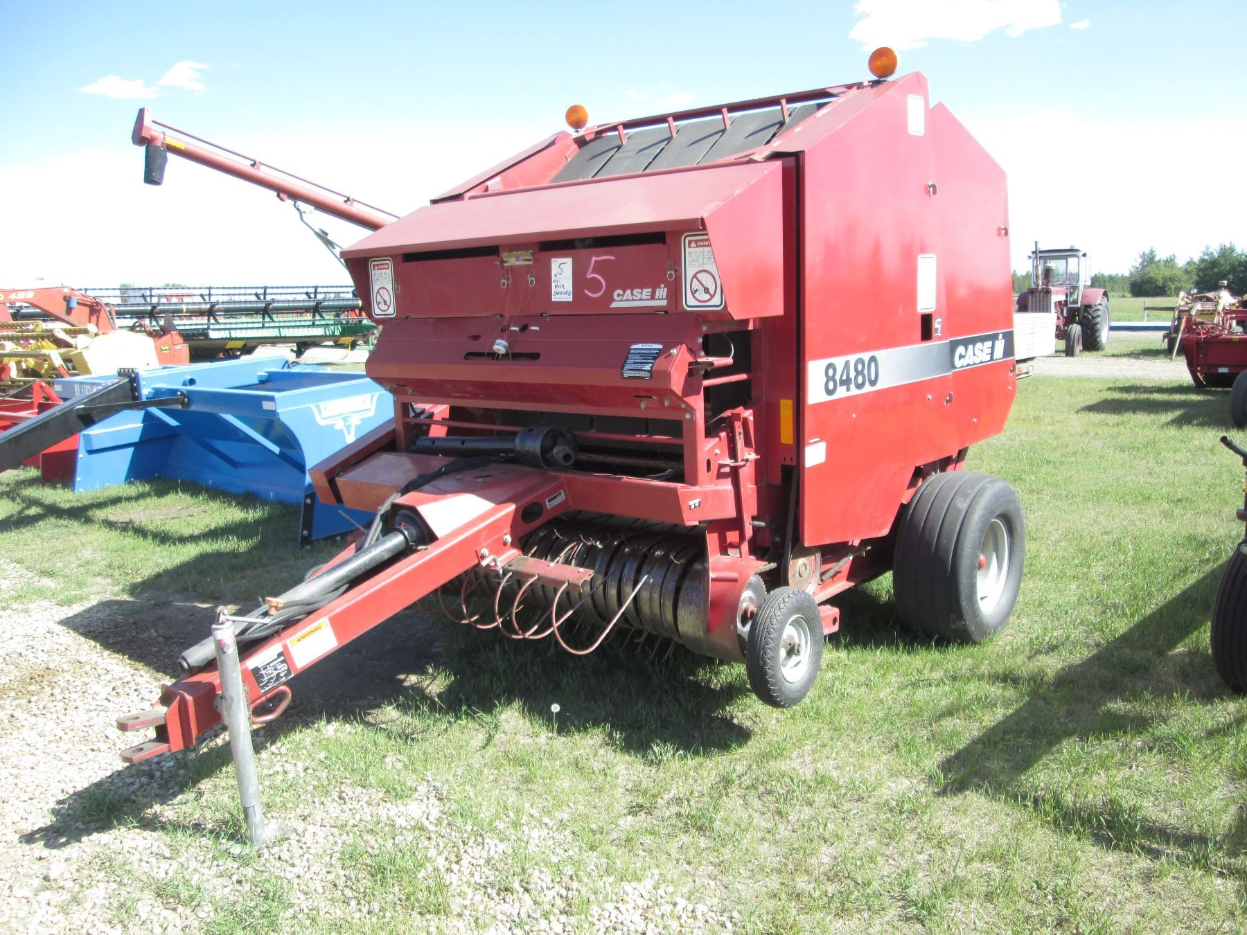 CASE-IH 8480 ROUND BALER, NEW LOWER BELTS, 1 TOP