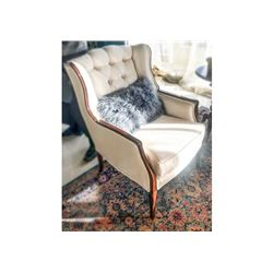 Vandange Tufted Chair