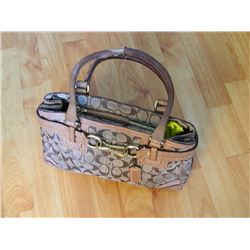 FROM ESTATE - PURSE - ?COACH? - handle as-is