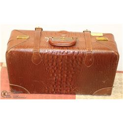 VINTAGE EVELEIGH CANADIAN SUITCASE