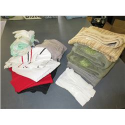 Large bundle Of Hand Towels / Assorted  / Over a dozen towels