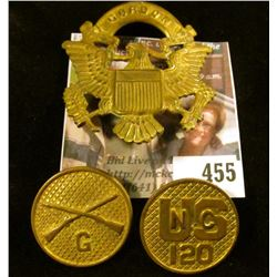 (3) pieces brass US Army / military insignia - hat badge and coat buttons.