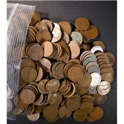 1000 Mixed Date Circulated Wheat Cents.