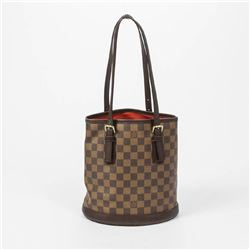 LOUIS VUITTON Marais
