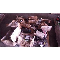 """PALLET OF MISC VOLVO SEAL, 4 CYRUS SAFETY RELIEF VALVE TYPE 901D 1 1/4"""""""