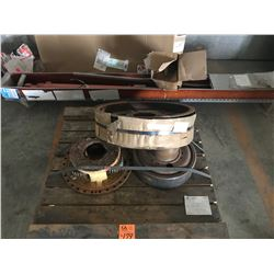 PALLET WITH PLANETARY, SUN GEAR, BELT PULLEY AND , HYDRAULIC CYLINDER AND FAN SHROUDE