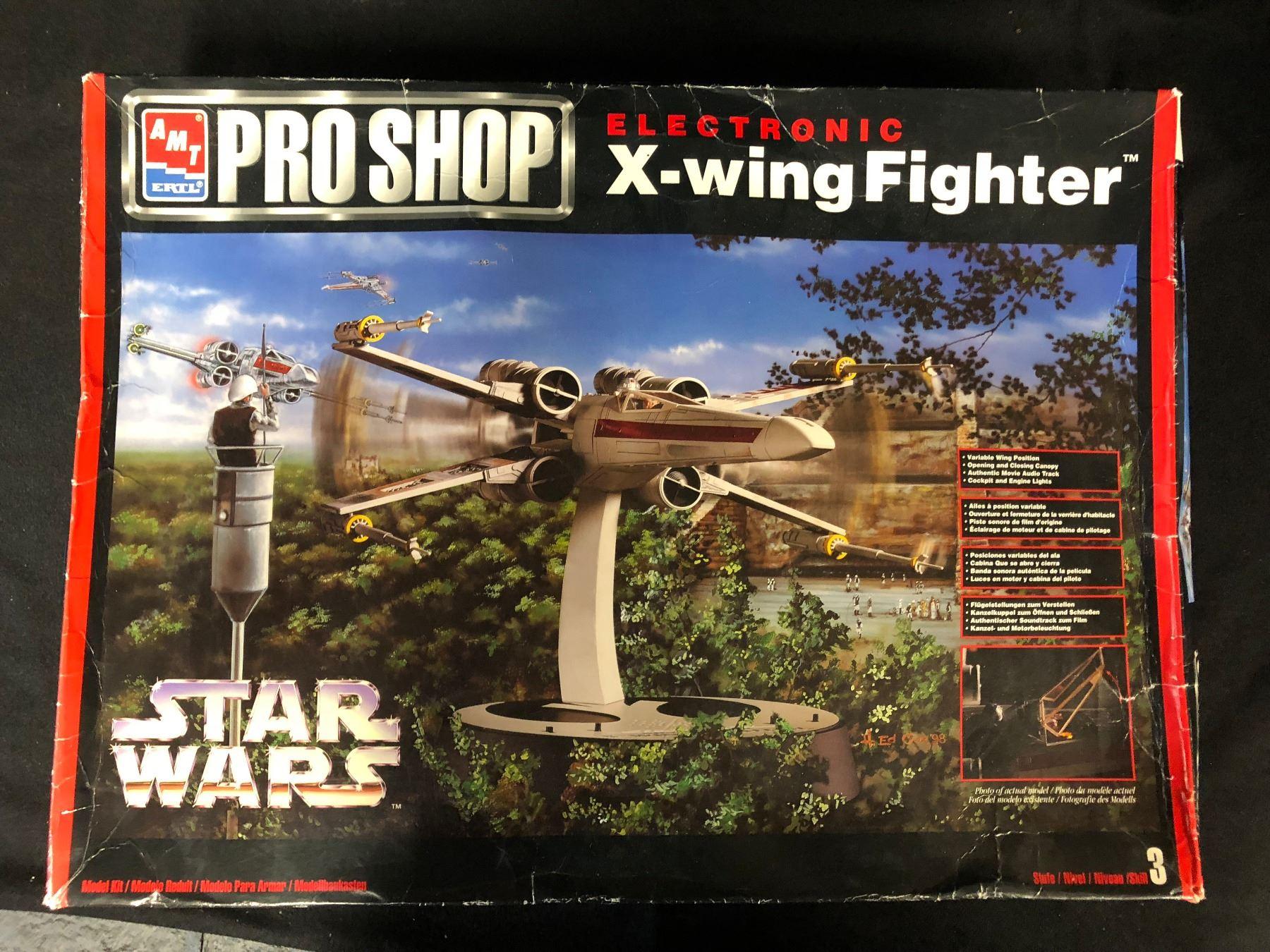 AMT/ERTL PRO SHOP STAR WARS ELECTRONIC X-WING FIGHTER MODEL KIT  (UNASSEMBLED)