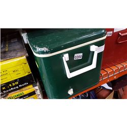 THERMOS GREEN METAL COOLER