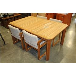 OAK DINING TABLE W/ 3 LEAFS AND 6 CHAIRS