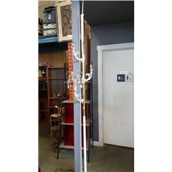 RETRO POLE LAMP WITH CRYSTALS