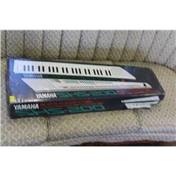 YAMAHA DIGITAL MIDI KEYTAR