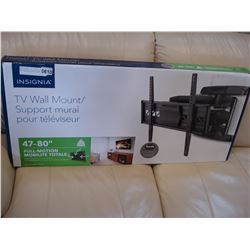 NEW OVERSTOCK INSIGNIA 47-80 INCH FULL MOTION WALL MOUNT