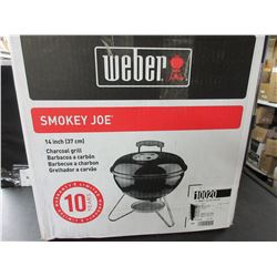 New Weber Smokey Joe Charcoal Grill / 14 inch portable