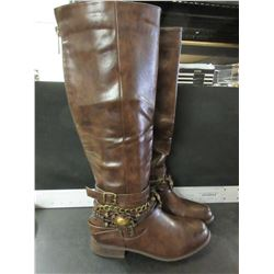 New Women's Boots / size 8.5