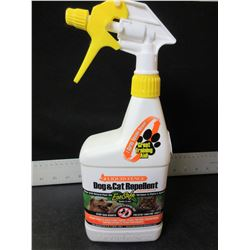 Liquid Fence Dog & Cat Repellent / Stops bad habits keep cats out of flowerbeds