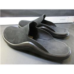 Men's Slip on Shoes / size 11 - 11.5 / Made in Portugal