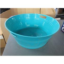 Large plastic Wash Tub with handels / 18 inch