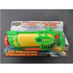 Water Warriors High performance air pressure Water Gun / up to 42ft