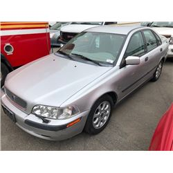 2002 VOLVO S40, 4DR SEDAN, GREY VIN # YV1VS295X2F805119