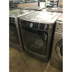 MAYTAG COMMERCIAL TECHNOLOGY FRONT LOADER CLOTHES DRYER
