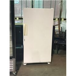 WHITE KENMORE 7 UPRIGHT FREEZER