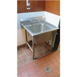 "Single-Basin Prep Sink 29"" x 26""D x 38""H"