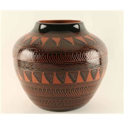 Navajo Incised Carved Pot