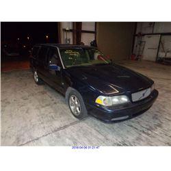 1999 - VOLVO V70